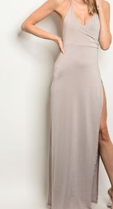 Dresses & Skirts - high slit low back maxi perfect for accessories